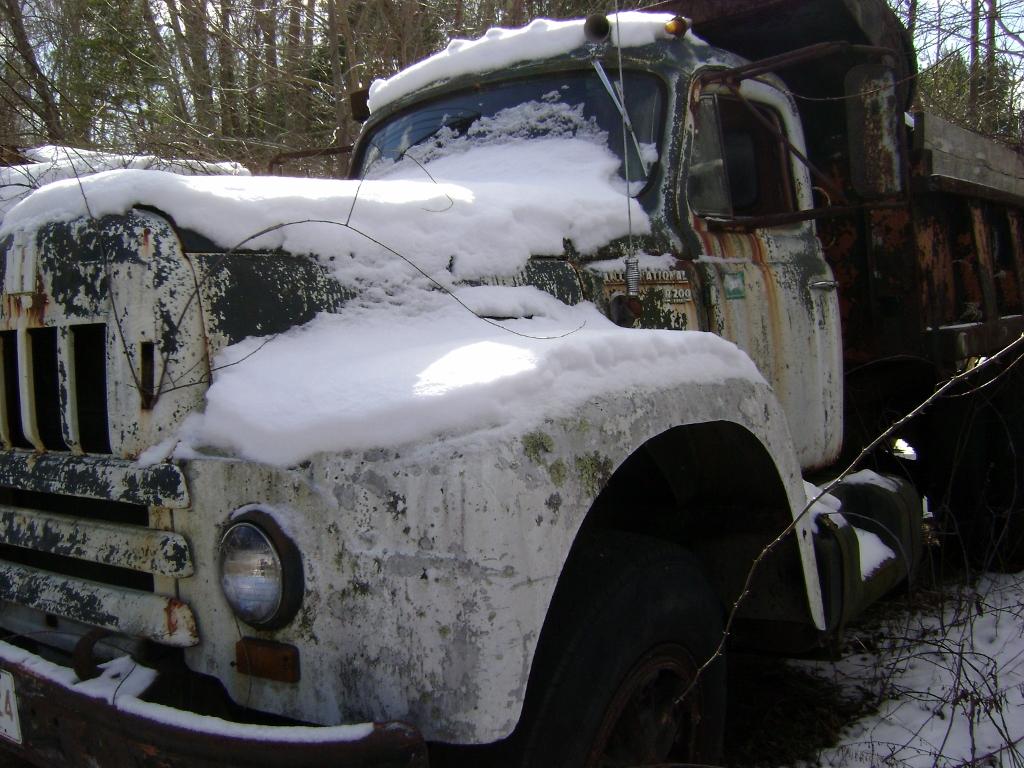 International R-200 Dump Truck