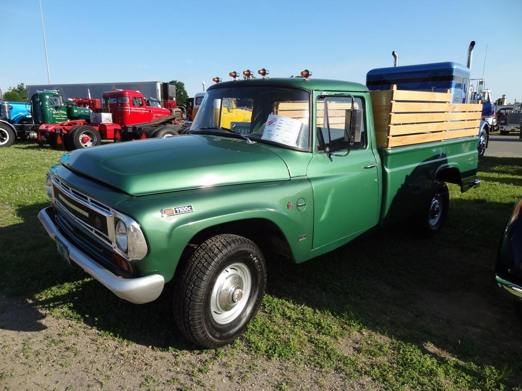 1968 International 1100C