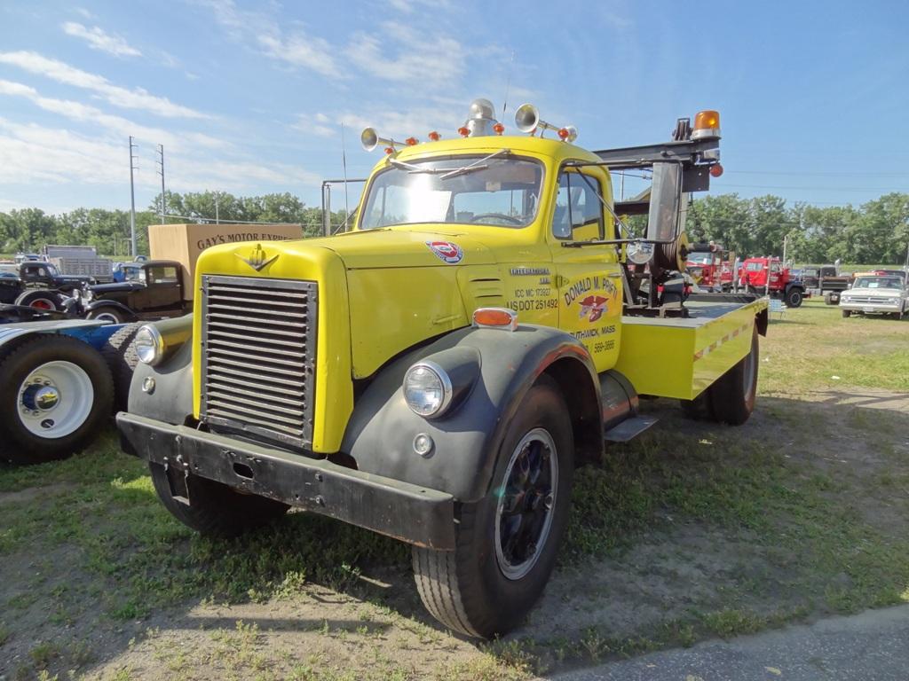 1961 International V-210