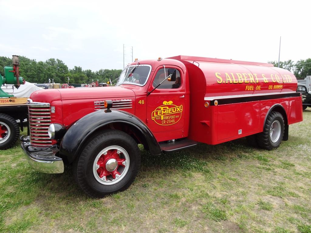 1948 International KB-8