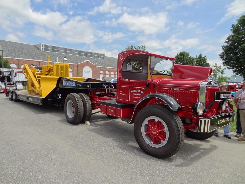 1940 Mack FN