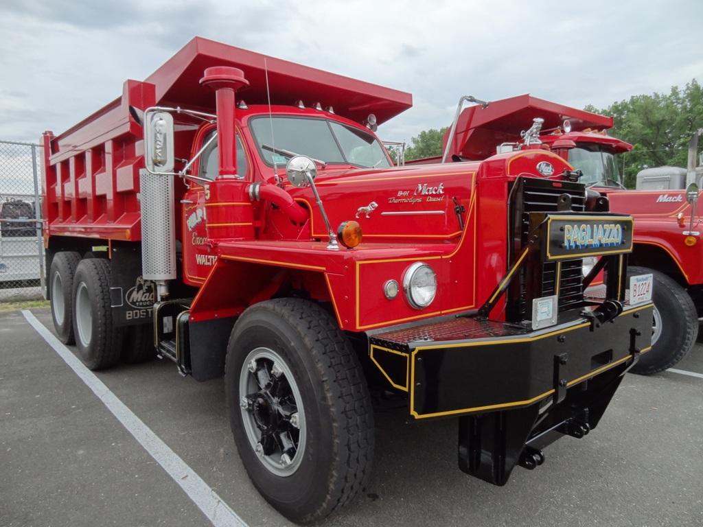 Mack B-81