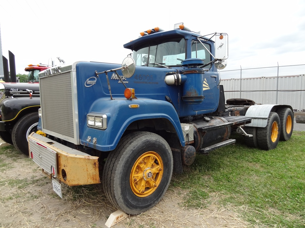 1989 Mack Superliner