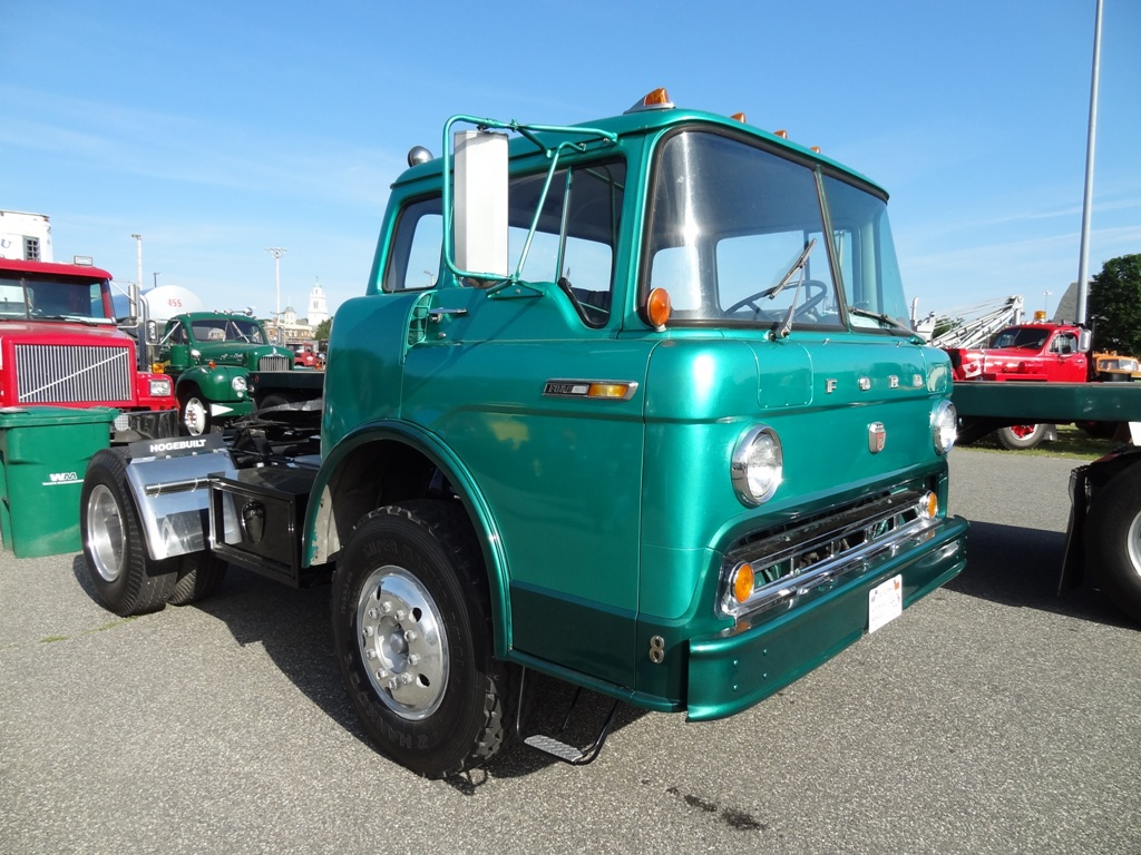 1968 Ford C-750