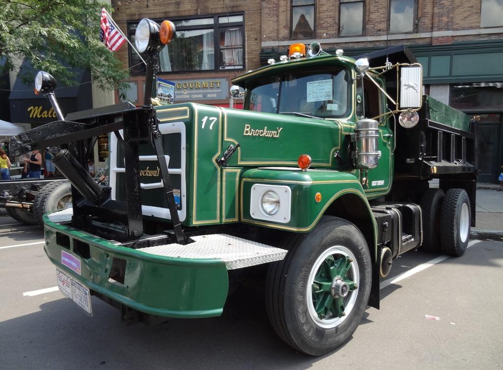 1976 Brockway N761L