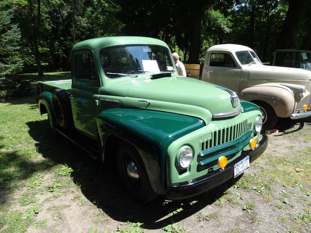 1951 International L-110