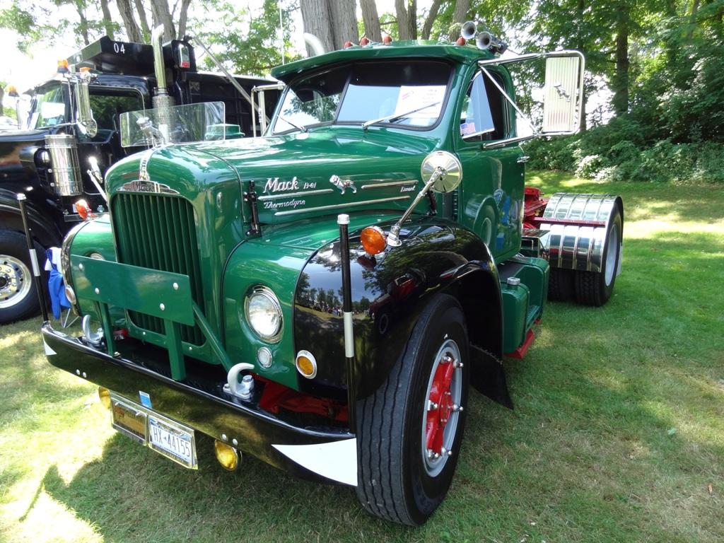 1959 Mack B613T