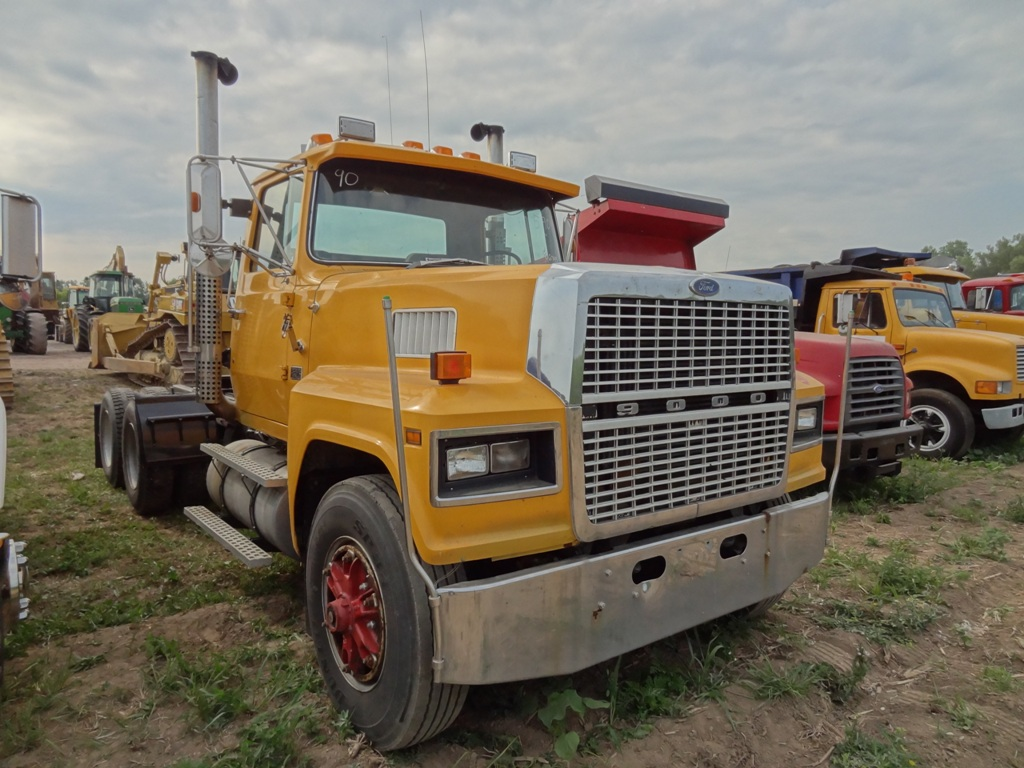 1990 FORD L9000