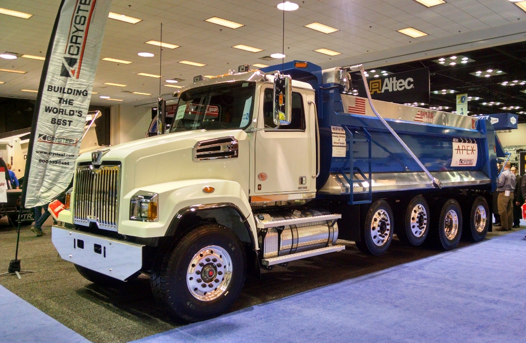 Western-Star-4700-Quad-Axle-Crysteel-Body-1024x667