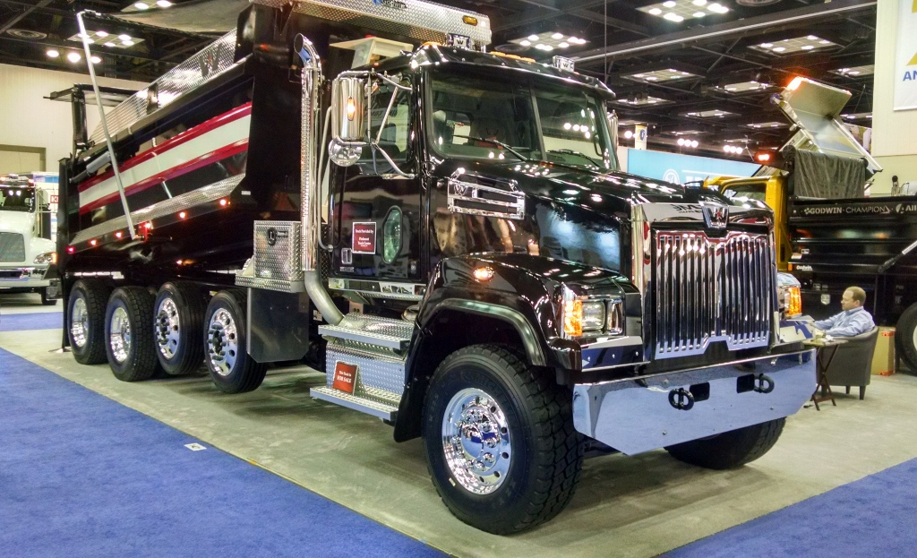 Western-Star-4700-Quad-Axle-Goodwin-Body-1-1024x623