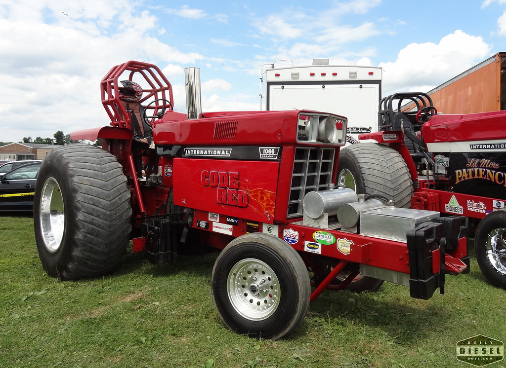 Pro Stock Pulling Tractors : Tractor pulling