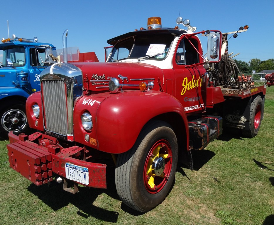1953 Mack B61
